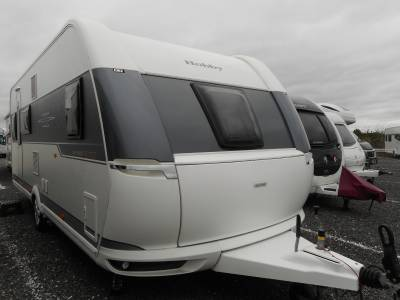Hobby De Luxe Edition 560kmfe 2017, 6 Berth Fixed Bed and Fixed Bunk Caravan