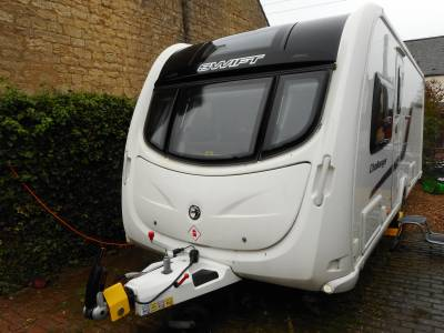 Swift Challenger 580 SR 2012, 4 Berth Fixed Bed Caravan With Motor Mover For Sale