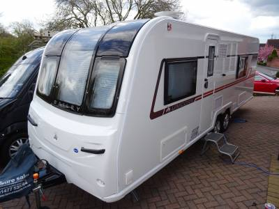 Bailey Unicorn Barcelona 4 berth French bed end washroom blow up air awning tag axle motor mover caravan for sale