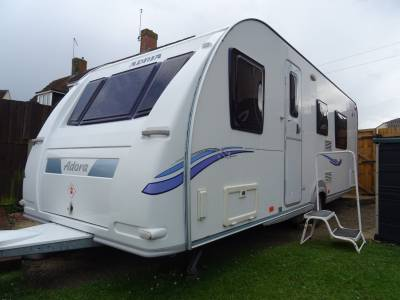 Adria Adora 612dp - 4 berth Fixed Bed Caravan For Sale