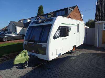 Lunar Ultima 462 2 Berth Rear Washroom Centre Kitchen Caravan For Sale