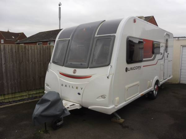 Bailey Unicorn Seville 2016 Caravan For Sale, Alde Heating, Seperate Shower, Very Large Fridge_copy_1578479879