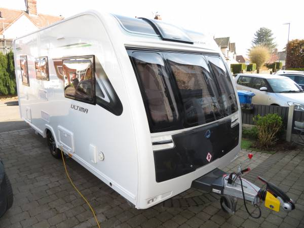 Lunar Ultima 462 2019 2 Berth Caravan With Motormover