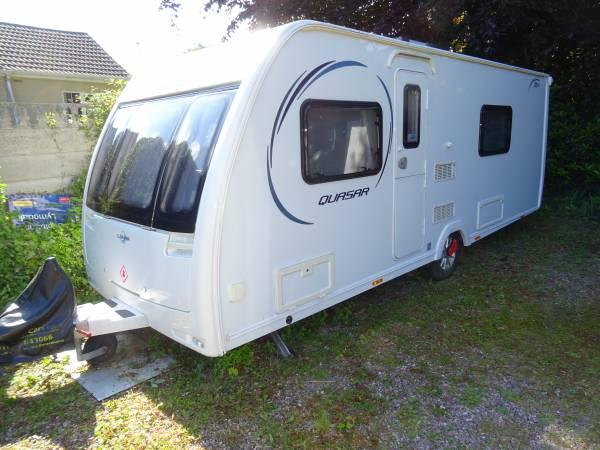Lunar Quasar 554 2 single beds end washroom 4 berth caravan for sale