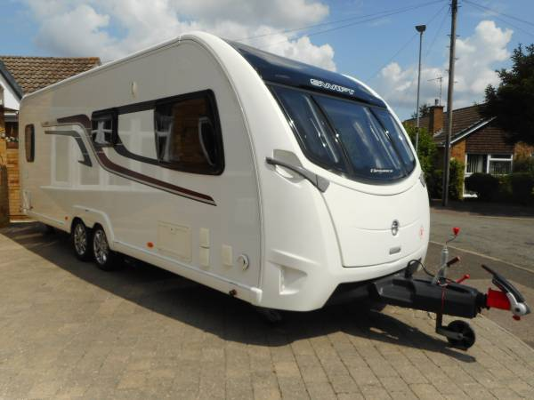 Swift Elegance 630 2015, 4 Berth Fixed Bed Modern Caravan For Sale